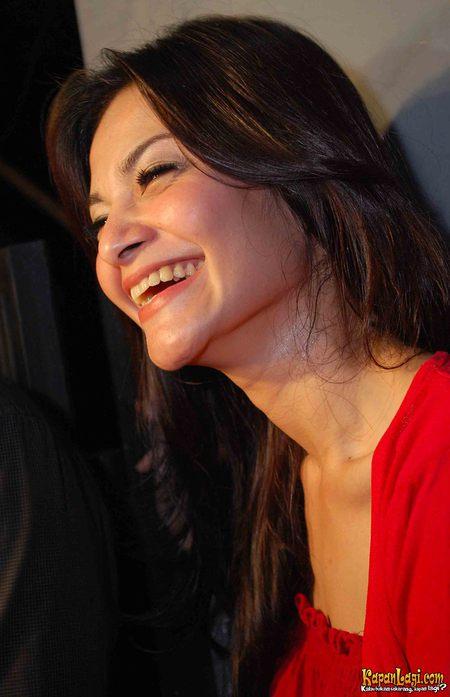 Cut Tari - Photo Actress
