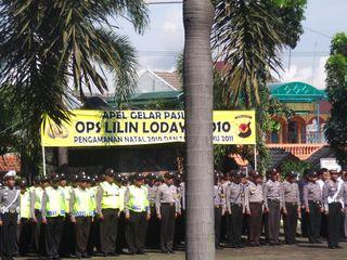 Polres Purwakarta Gelar Pasukan Operasi Lilin 2010