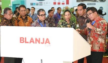 Kunjungan Presiden RI Joko Widodo ke Booth TelkomGroup- IBD EXPO 2017